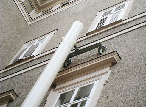 column head at facade
